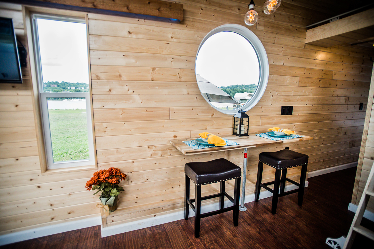 Book the tiny house at the marina by visiting this URL: bit.ly/tinymarinahouse (make sure they're all lowercase letters) / Image courtesy of Natalie Gregory // Published: 9.3.19