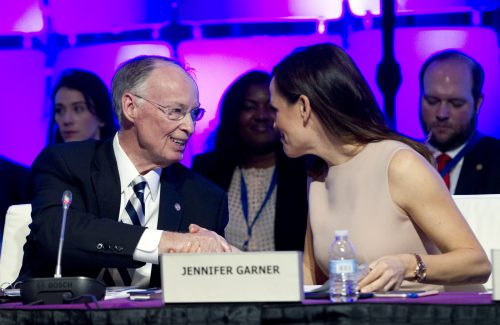 Alabama Gov. Robert Bentley with Jennifer Garner (Photo by Jose Luis Magana for the Alabama Governor's Office)