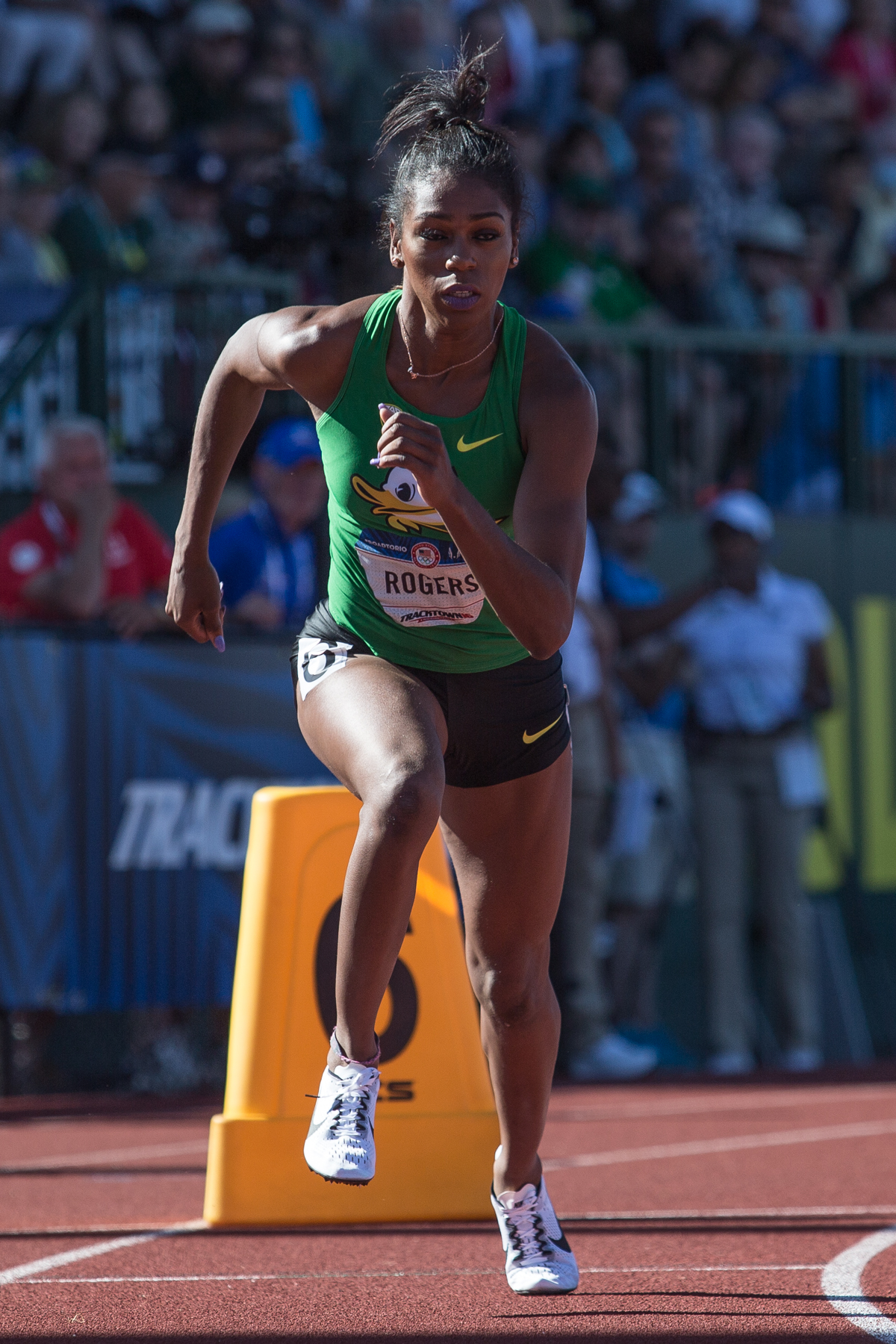 Oregon's Raevyn Rogers jumps off the block in the women�s 800m qualifying round. She placed 10th overall, advancing her to the next round. Photo by Dillon Vibes