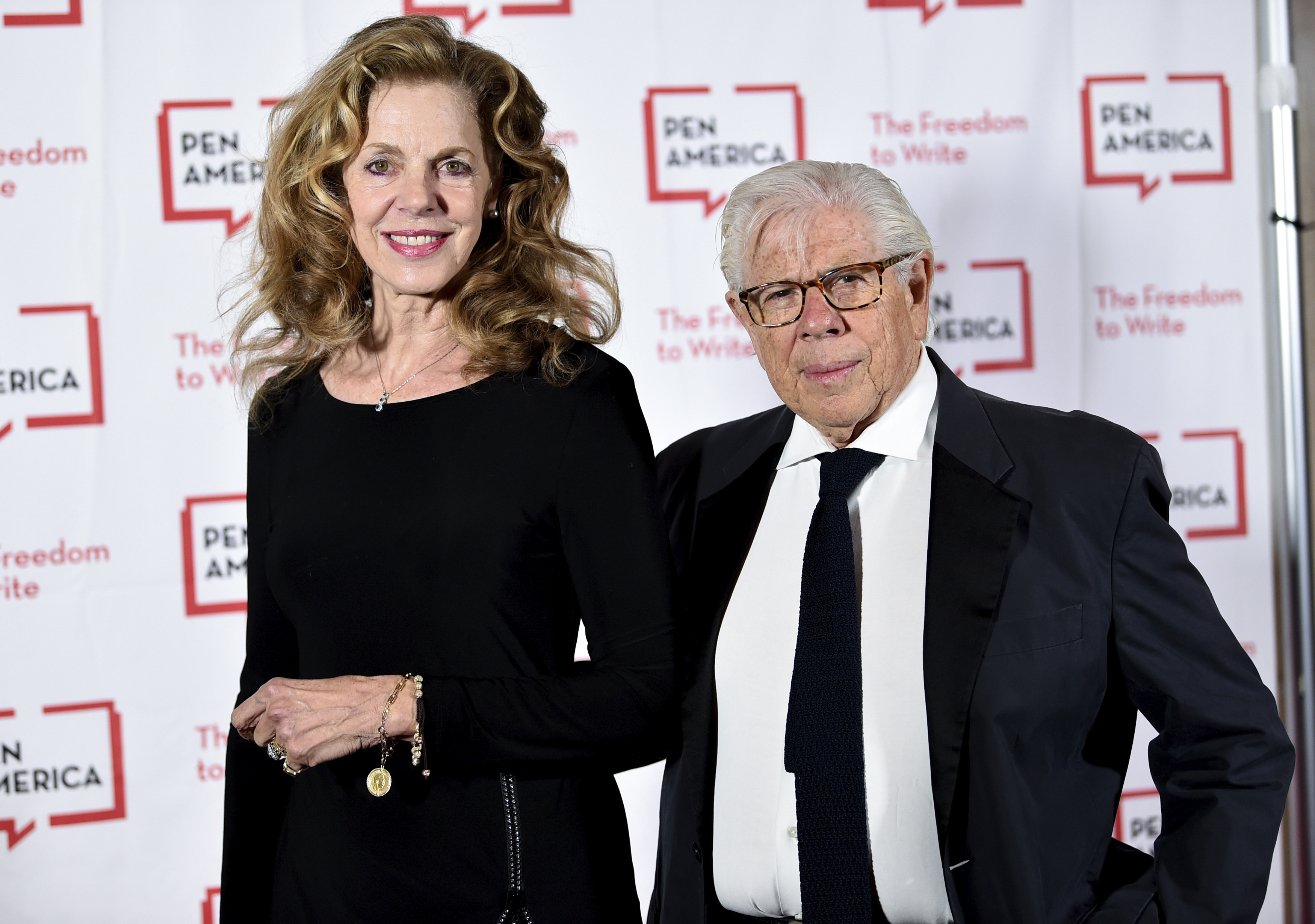 Journalist Carl Bernstein and wife Christine Kuehbeck attend the 2018 PEN Literary Gala at the American Museum of Natural History on Tuesday, May 22, 2018, in New York. (Photo by Evan Agostini/Invision/AP)