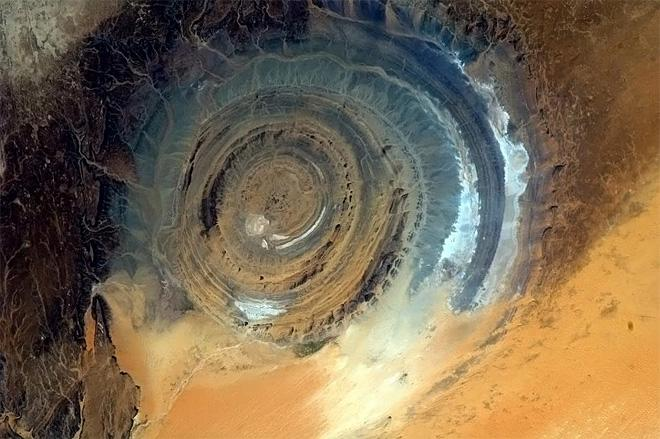 The Richat Structure. A giant gazing eye upon the Earth. (Photo & Caption: Chris Hadfield/NASA)