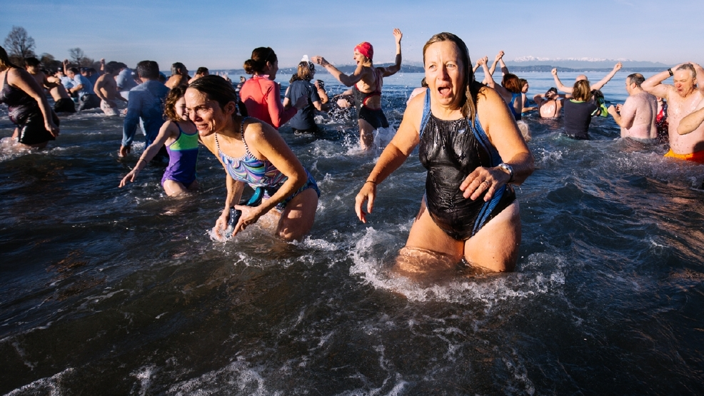 Photos: Thousands take Seattle's Annual Polar Bear Plunge